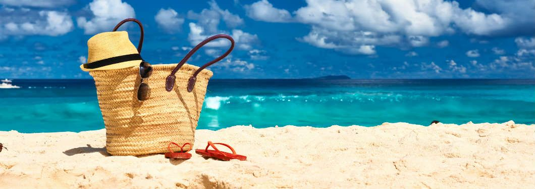 THE COMPLETE CHECKLIST FOR YOUR SUMMER HOLIDAYS